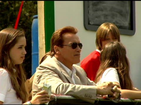 governor arnold schwarzenegger at the 'benchwarmers' los angeles premiere at ucla in westwood california on april 2 2006 - arnold schwarzenegger stock-videos und b-roll-filmmaterial