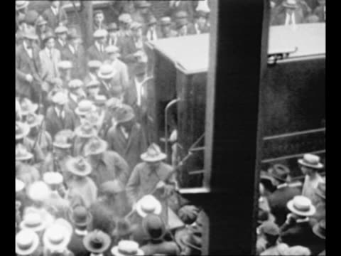 stockvideo's en b-roll-footage met ma governor calvin coolidge addresses crowd in northampton ma in 1920 / boston mayor andrew james peters receives a petition from servicemen in 1921... - 1921