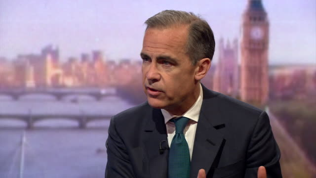 governor of the bank of england mark carney saying that britain has the strongest growing economy in the g7 and that british households pay down debts - 国民投票点の映像素材/bロール