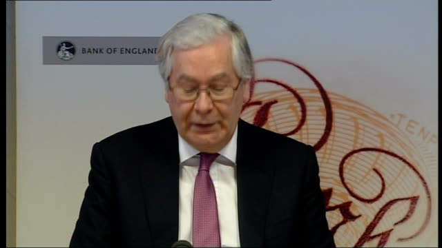 stockvideo's en b-roll-footage met governor of the bank of england warns of 'choppy waters ahead' england london int mervyn king press conference sot for much of this year there is... - harder