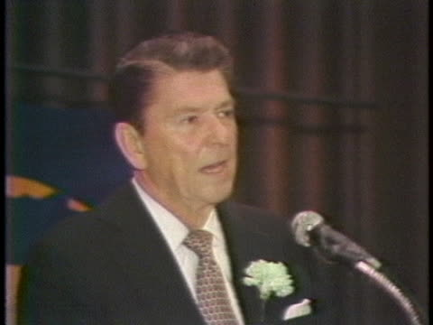 governor ronald reagan concludes his illinois campaign on the eve of the state primary. - election点の映像素材/bロール