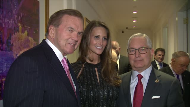 governor tom ridge, richard kendall and guests at ambassador ronald s. lauder receives lifetime achievement award at the federal enforcement homeland... - 生涯功労賞点の映像素材/bロール