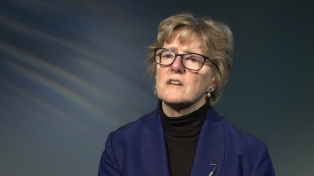 gps advised not to prescribe antibiotics for sore throat london reporter to camera/ professor dame sally davies interview sot/ two young men seated... - paracetamol stock videos and b-roll footage
