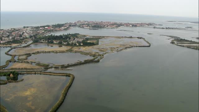 aerial grado lagoon, gorizia, italy - mare adriatico video stock e b–roll
