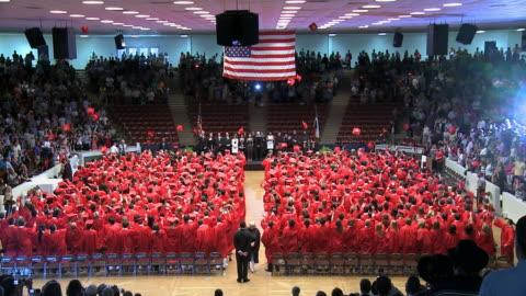 graduation cap toss - examen bildbanksvideor och videomaterial från bakom kulisserna