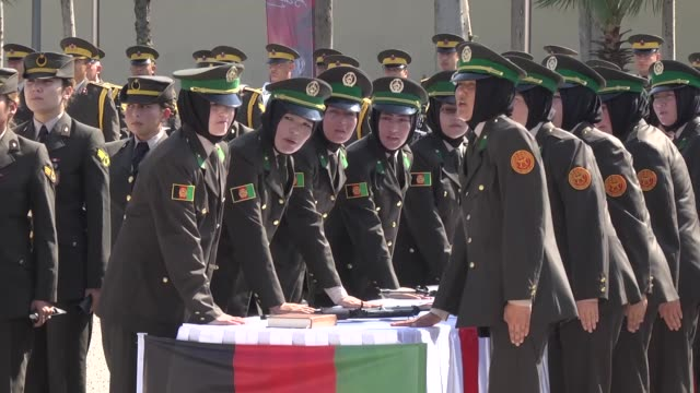 graduation ceremony of 109 afghan female cadets after a two-month-long training program in antalya, turkey on august 25, 2016. a total of 2,627... - afghanische nationaltruppe stock-videos und b-roll-filmmaterial