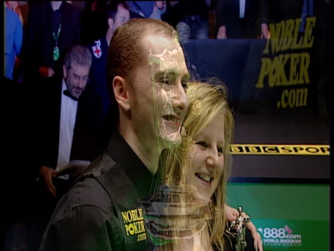 graeme dott poses with wife elaine following his victory over peter ebdon world snooker championship final crucible theatre sheffield 01 may 06 - sportlerin stock-videos und b-roll-filmmaterial