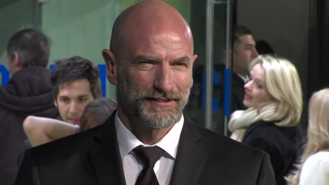 graham mctavish at 'the hobbit' uk premiere and royal film performance at odeon leicester square on december 12, 2012 in london, england. - the hobbit stock videos & royalty-free footage