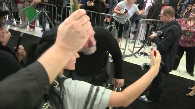 graham mctavish greets fans at the hobbit the battle of the five armies premiere in hollywood in celebrity sightings in los angeles, - the hobbit: the battle of the five armies stock videos & royalty-free footage