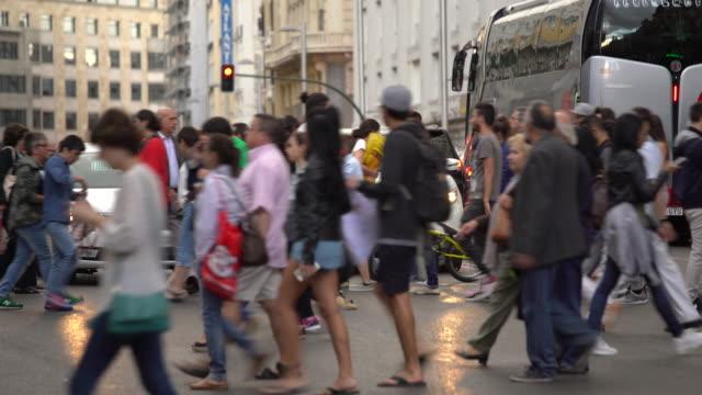 グランビア マドリード, リアルタイム - マドリード グランヴィア通り点の映像素材/bロール