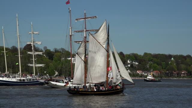 grand arrival parade, hamburg port anniversary, hamburg, germany - river elbe stock videos & royalty-free footage
