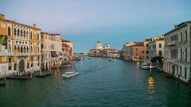 Canal grande und Basilica Santa Maria della Salute, Venedig, Italien.