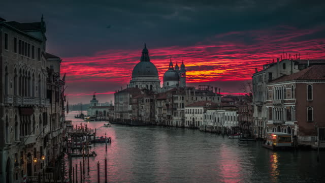 grand canal in venice at sunrise - romantic sky stock videos & royalty-free footage