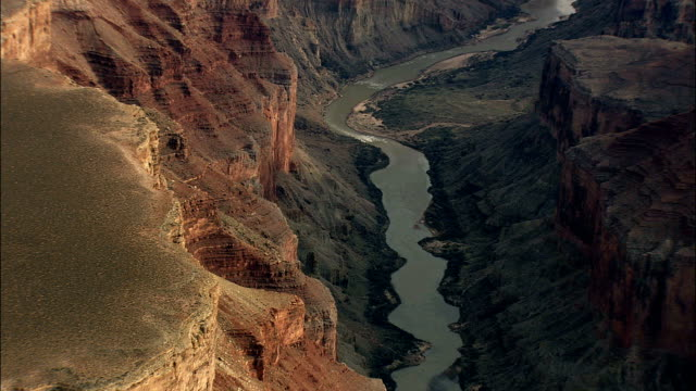grand canyon - luftbild - arizona, coconino county, vereinigte staaten von amerika - grand canyon stock-videos und b-roll-filmmaterial