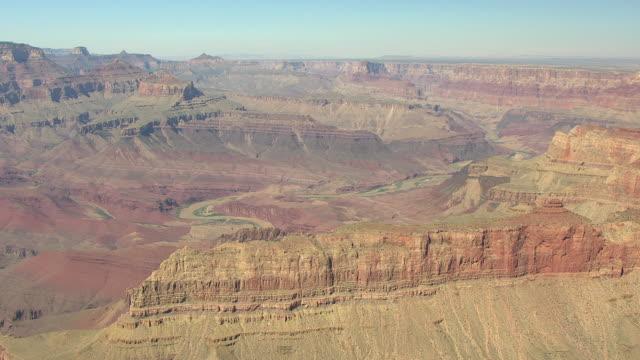 stockvideo's en b-roll-footage met ws aerial grand canyon from south rim near zuni point corridor / arizona, united states - zuni