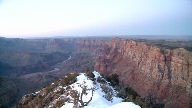 grand canyon national park in winter - ロックストラータ点の映像素材/bロール