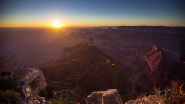vídeos de stock e filmes b-roll de grand canyon sunrise from point imperial - time lapse - grand canyon