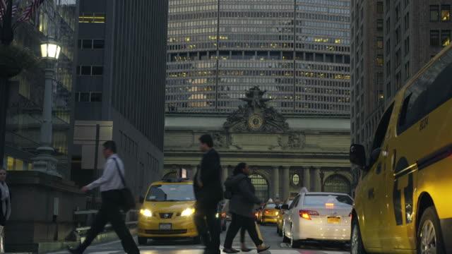 vídeos y material grabado en eventos de stock de grand central station - dolly shot - estación edificio de transporte