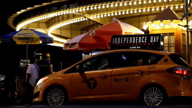 grand central terminal taxi stand at night - taxi stand stock videos and b-roll footage