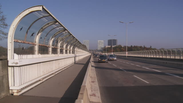 vidéos et rushes de ms grand duchess charlotte bridge connecting city center to european quarter kirchberg plateau / luxembourg city, luxembourg - grand duché du luxembourg