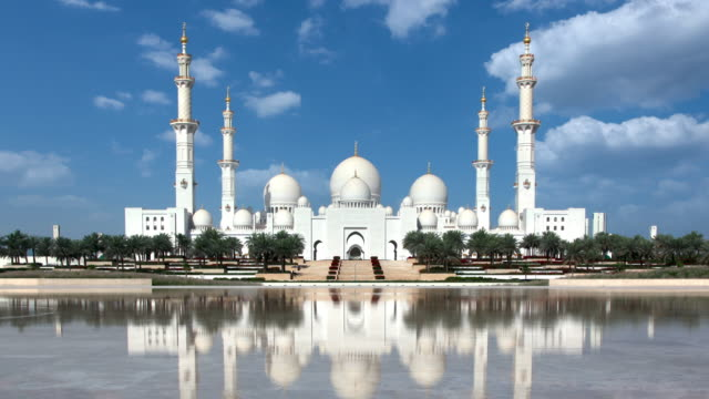 grand mosque abu dhabi timelapse - mosque stock videos & royalty-free footage