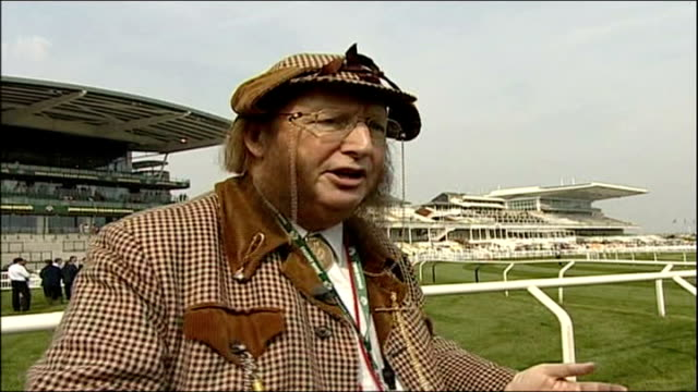 stockvideo's en b-roll-footage met grand national preview john mccririck interview sot - john mccririck