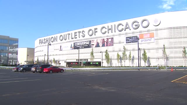 grand opening of fashion outlet mall in rosemont fashion outlets of chicago exterior on august 01 2013 in rosemont illinois - plug socket stock videos & royalty-free footage