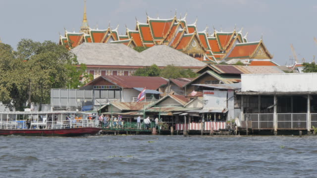 Grand Palace from across the River Chao Phraya, Bangkok, Thailand, Southeast Asia, Asia