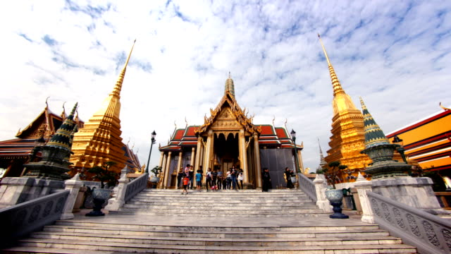 grand palace hyperlapse, bangkok, thailand - thailand stock videos and b-roll footage
