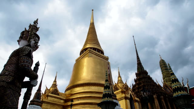 Grand Palace Time Lapse