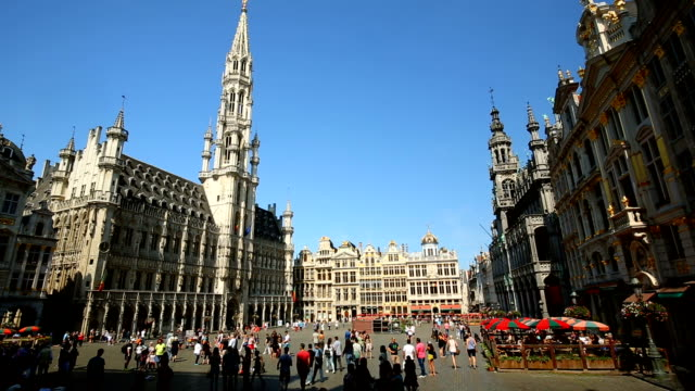 grand place in brussels - regione di bruxelles capitale video stock e b–roll