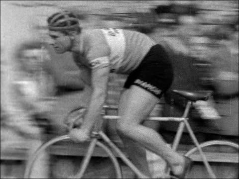 grand prix of london at herne hill england south london herne hill ext cyclists along on racing bikes pan / ms judges / lv cyclists racing to finish... - herne hill stock videos & royalty-free footage