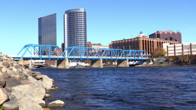vidéos et rushes de grand rapids, dans le michigan - michigan