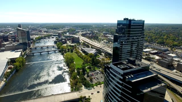 vidéos et rushes de grand rapids - michigan