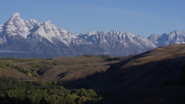 stockvideo's en b-roll-footage met grand teton national park - grand teton