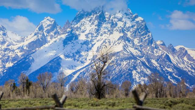 grand teton nationalpark, wyoming - grand teton stock-videos und b-roll-filmmaterial