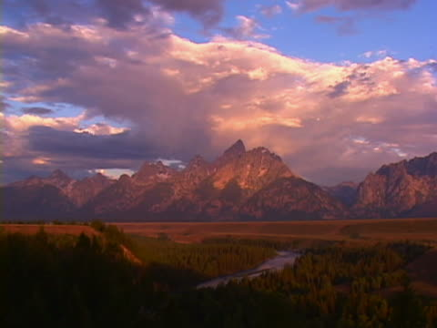 grand teton national park, wyoming - grand teton stock-videos und b-roll-filmmaterial