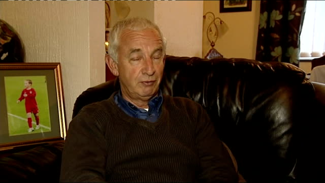 vidéos et rushes de grandfather wins bet on wales debut footballer harry wilson pete edwards interview sot re bet that his grandson would one day play for wales - pays de galles