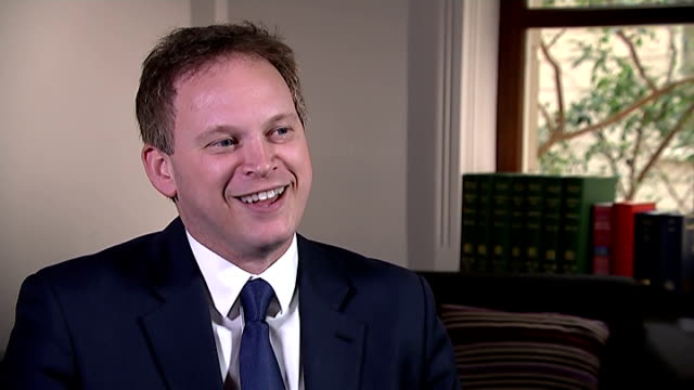 london grant shapps mp interview sot - grant shapps stock videos and b-roll footage
