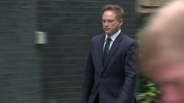 grant shapps resigns following allegations of bullying in the conservative party r25111404 / london downing street ext grant shapps mp arriving at... - grant shapps stock videos and b-roll footage
