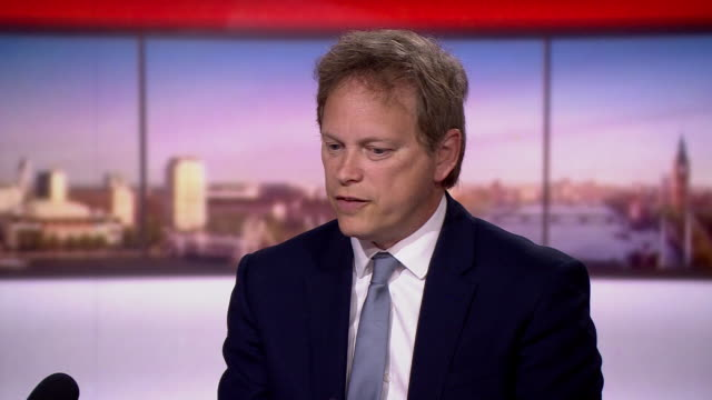 grant shapps saying staggering work times may be a solution to easing lockdown measures whilst maintaining social distancing - time stock videos & royalty-free footage