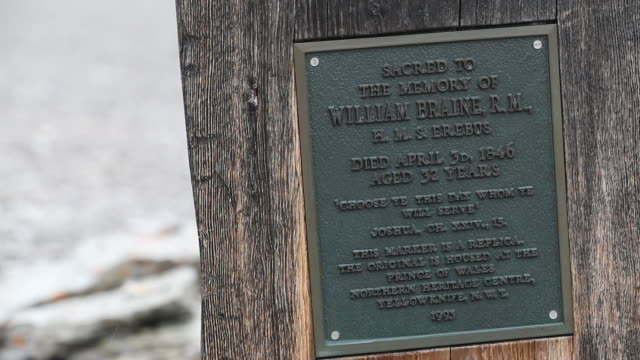 grave of william braine on beechy island from franklin expedition - buried stock videos & royalty-free footage