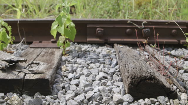 CU Gravel and wood on railroad track / Bell Buckle, Tennessee, United States