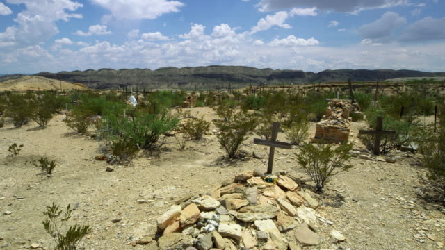 graves in cemetery in big bend national park - southwest usa stock-videos und b-roll-filmmaterial