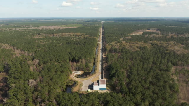 ligo gravitational wave detector in livingston, louisiana - wop productions stock-videos und b-roll-filmmaterial