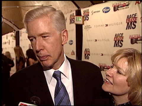 vidéos et rushes de gray davis at the race to erase at the century plaza hotel in century city, california on may 14, 2004. - race to erase ms