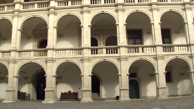 graz - arkandenhof landhaus hof in graz 02 - traditionally austrian stock videos & royalty-free footage