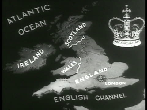 vídeos y material grabado en eventos de stock de great britain & ireland = the united kingdom. british flag on pole moving in wind. map: great britain & irish free state. free state w/ northern... - irlanda del norte