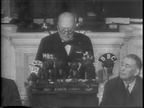 vídeos de stock, filmes e b-roll de great britian's prime minister winston churchill's second address to congress since pearl harbor reports strategy discussions between himself and... - guerra do pacífico