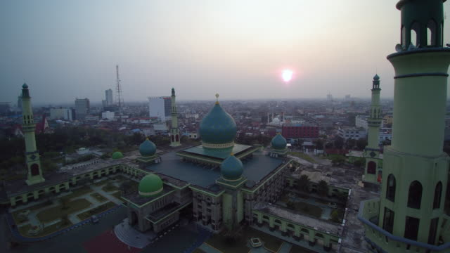 great mosque an nur pekanbaru on sunset - dome stock videos & royalty-free footage